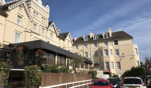 Local Hotel - Royal Exeter Hotel